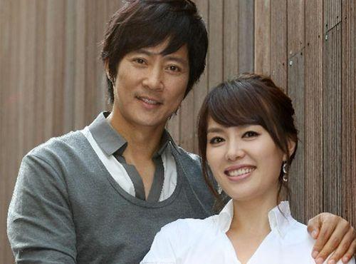 Ha Hee Ra hạnh phúc bên tài tử 'Mối tình đầu' sau scandal