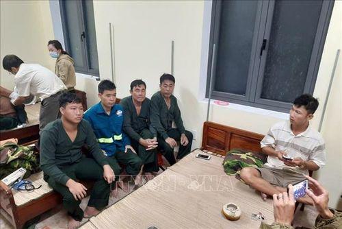 Thừa Thiên-Huế: 6 thuyền viên còn lại trên tàu bị chìm đã vào bờ an toàn
