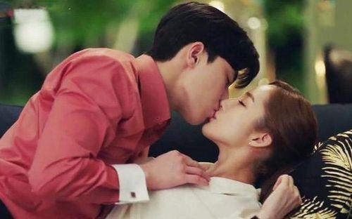 Cảnh giường chiếu 'ướt át' của Park Seo Joon - Park Min Young đạt 300 triệu view chỉ sau 1 tháng