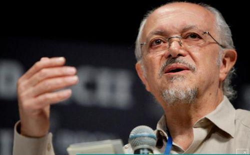 Người đoạt giải Nobel Hóa học 'cứu Trái đất' qua đời