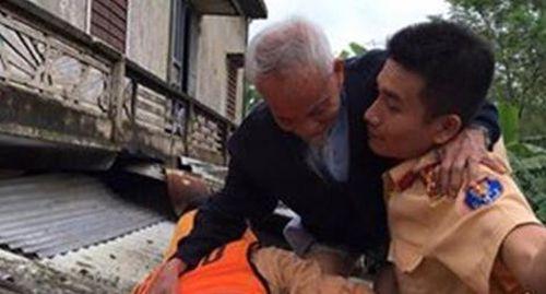 Lụt ngang mức lịch sử 1999, Công an Quảng Trị gồng mình cứu dân