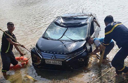 Tai nạn giao thông mới nhất hôm nay 11/10: 3 người tử vong trong ô tô chìm dưới sông Mã