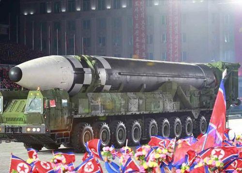 Giáo sư Hàn Quốc nhận định 'lạnh người' về tên lửa mới của Triều Tiên