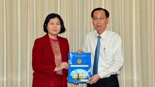 Bà Nguyễn Việt Hòa làm Tổng Giám đốc SATRA