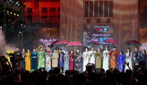 Lễ hội áo dài thành phố Hồ Chí Minh lần thứ 7 năm 2020 khai mạc tưng bừng rộn rã