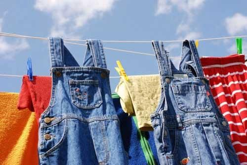Mẹo hay giúp giữ quần jean luôn bền màu như mới
