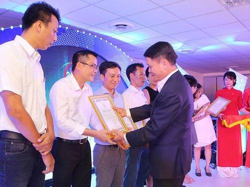 Thông tấn xã Việt Nam làm theo lời Bác dạy về công tác cán bộ