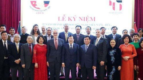 Hội hữu nghị Việt Nam–Đức đón nhận Huân chương Lao động hạng Nhì