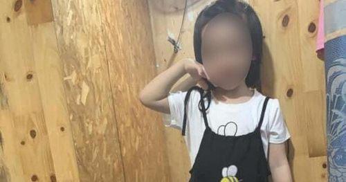 Vụ bé gái nghi thắt cổ chết do học trên YouTube: Lỗi do ai?
