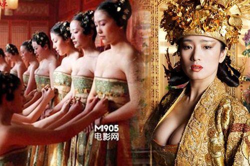 Những phân cảnh hở bạo trong 'Hoàng Kim Giáp' của Củng Lợi