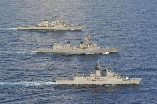 Soi sức mạnh chiến hạm Mỹ, Nhật, Australia tập trận trên Biển Đông