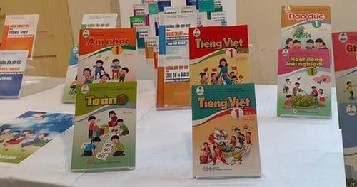 Sách giáo khoa bị 'lỗi', giáo viên có quyền giới thiệu các sách khác cho học sinh