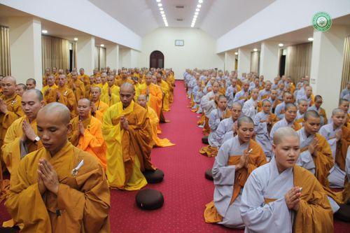 Học viện PGVN tại Hà Nội & Huế chia sẻ với miền Trung
