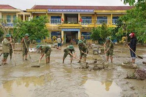 Sư đoàn 968, Quân khu 4 giúp nhân dân khắc phục hậu quả lũ lụt