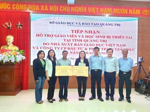 Nhà xuất bản GDVN hỗ trợ ngành giáo dục miền Trung khắc phục lũ lụt