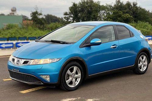 'Soi' Honda Civic hatchback nhập châu Âu hàng hiếm tại Việt Nam