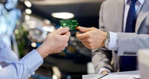 OCB tiếp tục ưu đãi thẻ cho doanh nghiệp vào 'mùa gặt' cuối năm