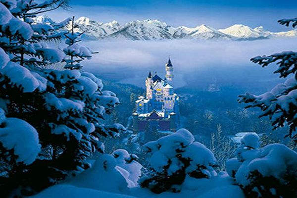 Chiêm ngưỡng 15 tòa lâu đài cổ ấn tượng nhất thế giới