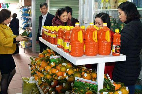 Lào Cai khai trương chợ nông sản đặc hữu đầu tiên