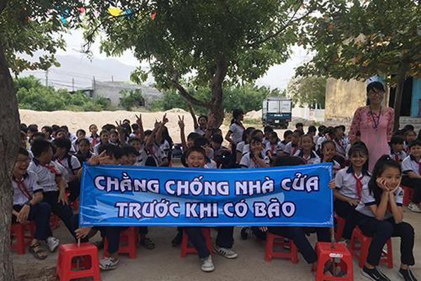 Ninh Thuận: Hơn 1.000 học sinh trực tiếp tham gia diễn tập phòng chống thiên tai