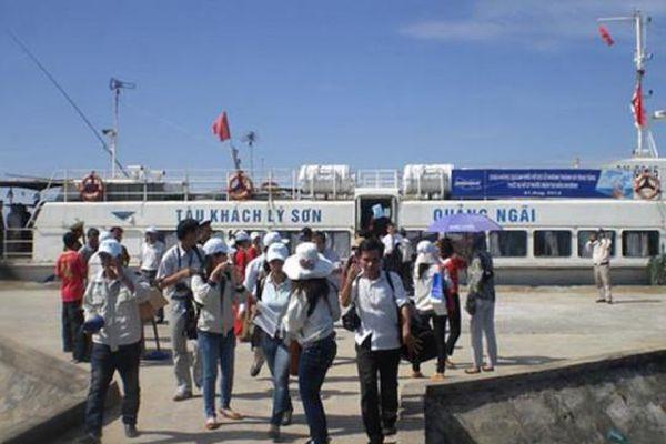 Phát triển du lịch Lý Sơn theo hướng xanh, sạch, đẹp, văn minh