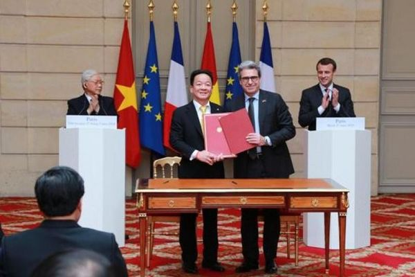 Tập đoàn T&T ký hợp tác đầu tư dự án đường sắt đô thị số 3 tại Hà Nội