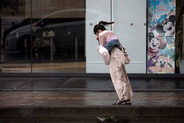 Nhật Bản sắp hứng siêu bão thứ ba trong vòng 1 tháng