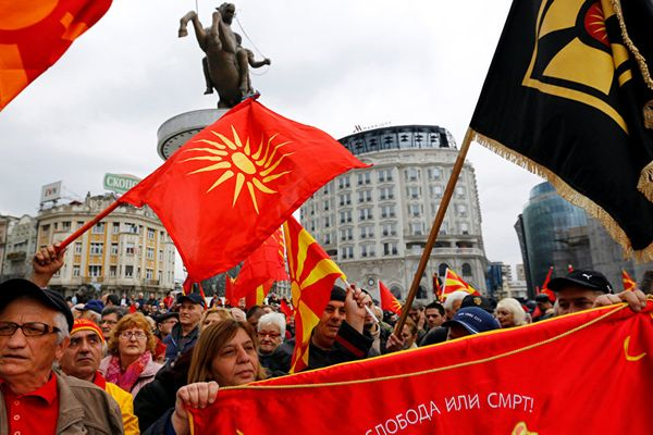 Mâu thuẫn từ cuộc trưng cầu dân ý đổi tên nước Macedonia