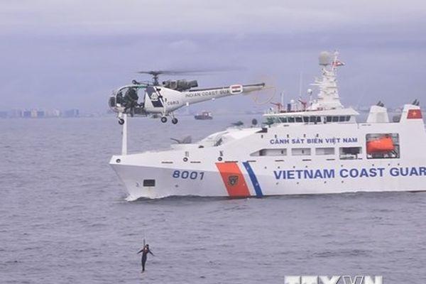 Hình ảnh Lực lượng bảo vệ biển Việt Nam-Ấn Độ diễn tập chung