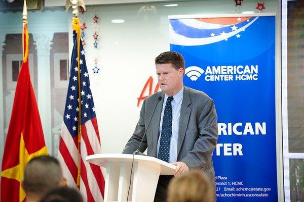Trợ lý Bộ trưởng Quốc phòng Mỹ: 'Việt Nam là đối tác toàn diện trong khu vực'
