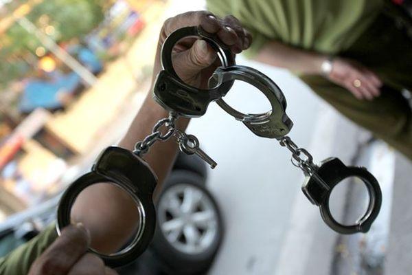 Bắt đối tượng liên tiếp cướp giật tài sản