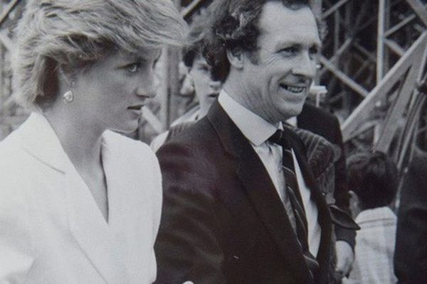 Tài xế thân cận tiết lộ thông tin chưa từng biết tới trong đêm đầu tiên bảo vệ thi thể Công nương Diana tại căn phòng 'phủ kín chăn'