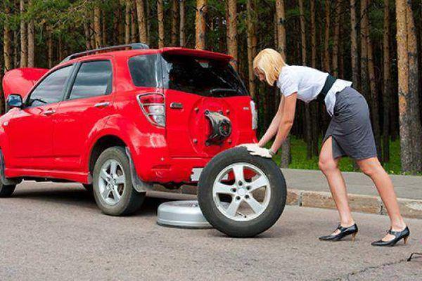 Video hướng dẫn cách thay lốp dự phòng ô tô