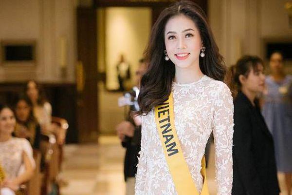 Phương Nga đầm lông vũ lộng lẫy dự phần thi phỏng vấn ở Miss Grand