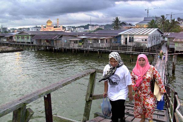 Ngôi làng nổi giữa thủ đô hoa lệ của Brunei