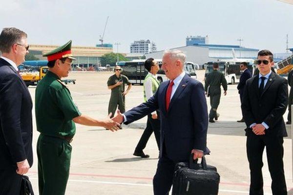 Bộ trưởng quốc phòng Mỹ: 'Tôi vẫn đang tiếp tục công việc của mình'