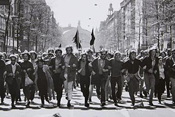 Tìm hiểu nước Đức qua những bức ảnh đen trắng của nhiếp ảnh gia nổi tiếng Barbara Klemm
