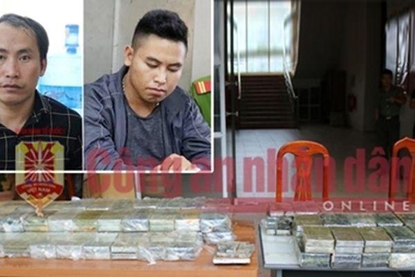 198 bánh heroin giấu trong máy xúc thuê vận chuyển với giá 1 tỷ đồng