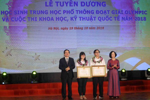 Tuyên dương học sinh đoạt giải Olympic và cuộc thi Khoa học kỹ thuật quốc tế 2018