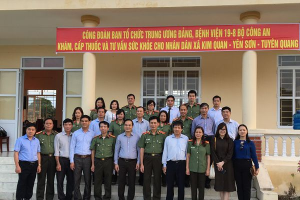 Công đoàn Ban Tổ chức Trung ương với hoạt động 'Về nguồn' tại Tuyên Quang