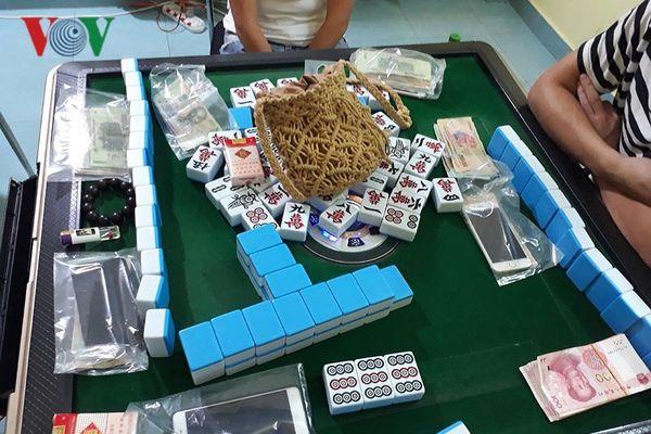 Bắt quả tang nhóm người Trung Quốc đánh bạc tại Khánh Hòa