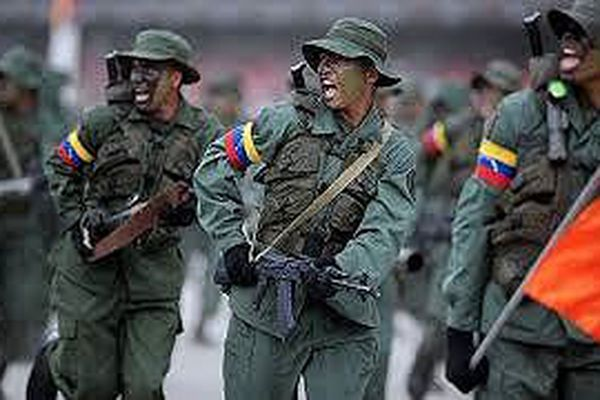 Bắt giữ hai sĩ quan dính líu đến vụ mưu sát Tổng thống Venezuela