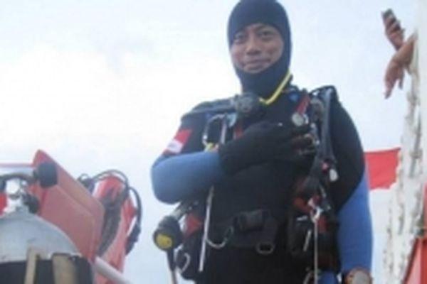 Tìm kiếm máy bay Indonesia gặp nạn, một thợ lặn thiệt mạng