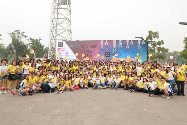 Hơn 400 nhân viên Aviva chạy bộ gây quỹ BBGV