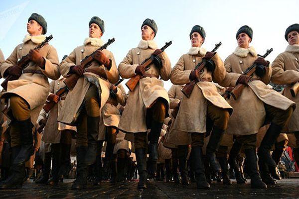 Nga tái hiện cuộc diễu binh huyền thoại 1941, kỷ niệm Cách mạng Tháng Mười