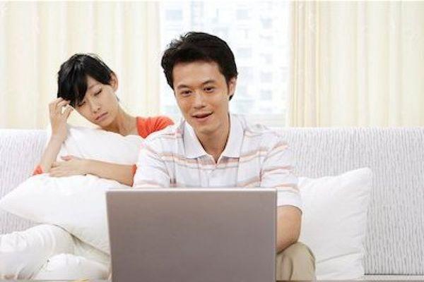 Phát mệt với ông chồng đàng hoàng sống 'ký sinh'