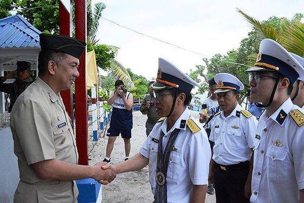 Hải quân Việt Nam - Philippines giao lưu trên đảo Song Tử Đông