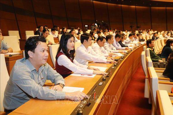 Quốc hội thảo luận tại tổ về bốn dự án Luật quan trọng