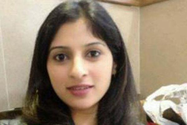 Bà mẹ mang thai 8 tháng tử vong vì 'đỡ mũi tên' cho chồng