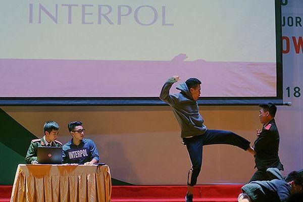 An ninh, Quân y lọt Chung kết toàn quốc thi tiếng Anh không chuyên
